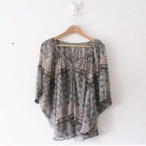 WILLOW & CLAY Bat Wing Blouse Top